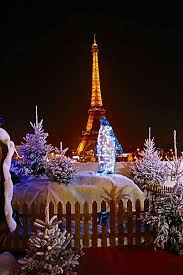 eiffel tower christmas lights christmas happy holidays to all eiffel tower paris france