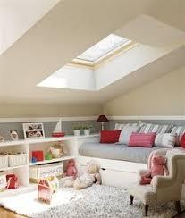 chambre enfant comble chambre d enfant sous les combles qui optimise les rangements dans