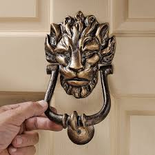 Great Knockers by Amazon Com Design Toscano 10 Downing Street Lion Authentic