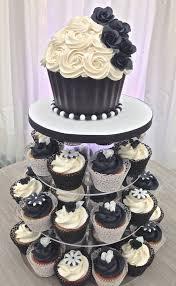 diamond wedding anniversary cupcakes 50th anniversary cakes pictures 50th anniversary cake cakes