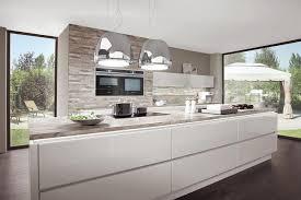 kche wei mit holzarbeitsplatte wohndesign kleines moderne dekoration küche weiß hochglanz