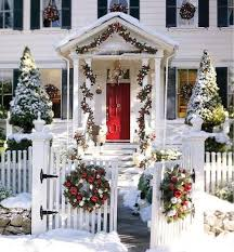 Tasteful Outdoor Christmas Decorations - 89 best colonial christmas homes outdoors images on pinterest