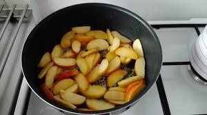 cuisiner les airelles boudin blanc aux pommes et sa compotée d airelles la cuisine de cécile