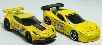 hotwheels corvette two desktop wheels corvette c6 r and c7 r