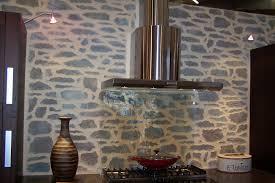 cuisine avec mur en donnez un charme rustique à votre cuisine avec un mur en