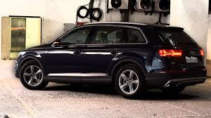 audi q7 review the new audi q7 is lightweight stunning and intelligent