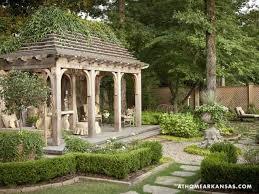 Beautiful Backyard Designs by Best 25 Small Backyard Gardens Ideas On Pinterest Small