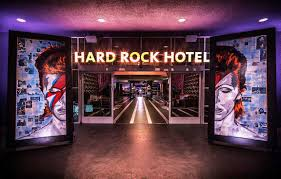Room Decorating Ideas For Rock Music Lovers Ha 150114 02 Contemporist
