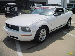 white 2009 mustang 2009 performance white ford mustang v6 premium coupe 29957451