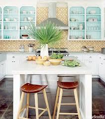 seconde de cuisine design d intérieur carrelage ancien jaune bleu ciel cuisine deco