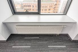 chauffage bureau radiateur blanc dans le bureau photo stock image du chauffage