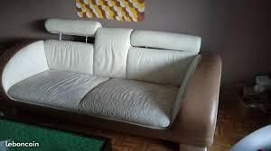 don canapé dons objets gratuits canapé en cuir beige et marron 22885