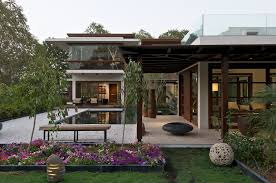 beautiful luxury modern house in india yummy pinterest 02 the courtyard house garden is jewelled with naive plants accompanied by tiny artifacts which make the entire space wider the courtyard house hiren