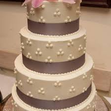 affordable wedding cakes beautiful wedding cake for a celebration affordable wedding cakes