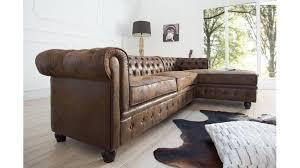 canapé d angle chesterfield canapé d angle chesterfield un grand canapé capitonné avec une