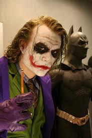 best joker halloween costumes amazing life size heath ledger joker statue stuff the geek twins