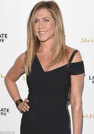 aniston wedding ring aniston shows and gold wedding band at la