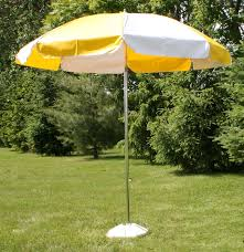 White Patio Umbrella Vinyl Patio Umbrella 7 5 W Tilt Yellow White