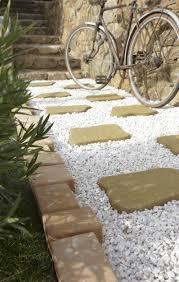 pas japonais en pierre naturelle des allées inspirées pour votre jardin leroy merlin
