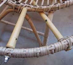 meubles en bambou fauteuil en rotin bambou wonder poubelles est de retour