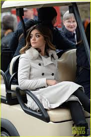 on thanksgiving day lucy hale lies a u0027little better u0027 on thanksgiving day parade