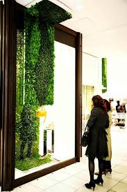 green walls and living sculpture blend art and fashion urban gardens