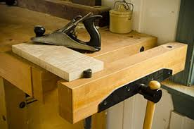 Work Bench With Vice Buyer U0027s Guide To Woodworking Workbenches U0026 Tool Storage 1 13