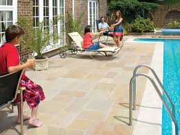 Patio Furniture Milwaukee Wi by Blending Indoor And Outdoor Living Spaces With A Seamless Design