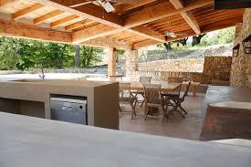 cuisine exterieure en cuisine d extérieur en béton ciré