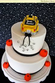 wedding cake ny nyc just married checkered cab wedding cake the hudson cakery