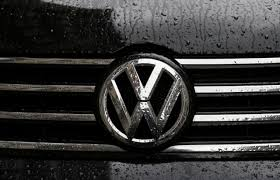 volkswagen wolfsburg emblem volkswagen cuts guidance sets aside 6 5 billion euro for emission