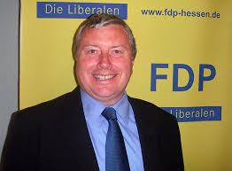 Einstimmig bestätigten Fuldas Liberale ihren Vorsitzenden Peter Wolff (52) in seinem Amt und wählten ihn für weitere zwei Jahre. - PeterWolffFDP2011