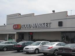 summit a and p store laying 10 employees on thanksgiving
