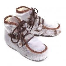 s boots with fur 35 best fur boots images on fur boots shoes and shoe