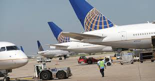 United Airline Stock United Shares Slide As Pr Nightmare Catches Up With Investors
