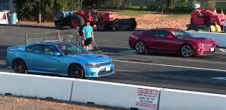 chevy camaro vs dodge charger dodge charger 392 hemi pack vs 2015 chevrolet camaro zl1