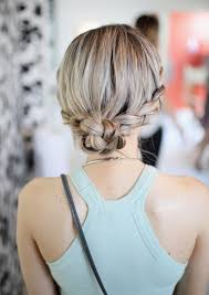 easy hairstyles for waitress s 5 things to do with your hair when it s humid outside easy