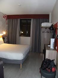 chambre et literie chambre insonorisee climatisée avec une tres bonne literie