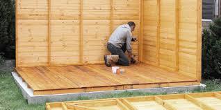 costruzione casette in legno da giardino montaggio della casetta in giardino casetta da giardino