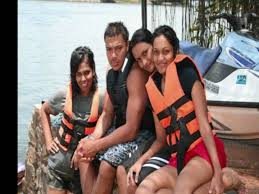 Mahinda Rajapksha Mahinda Rajapaksa Family Album Amazing Youtube