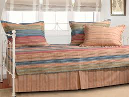 10 modern wooden daybed designs g rsan ergil on designing 15 daybed designs
