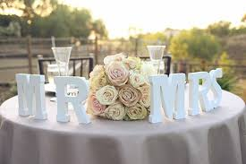 mr and mrs wedding signs wedding trends sweetheart tables