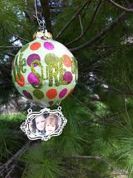 diy ornaments from the letter 4