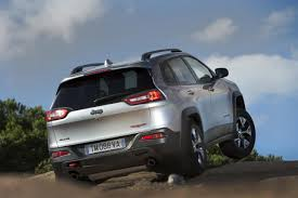 diesel jeep cherokee euro spec jeep cherokee unveiled with two diesel engines 2014