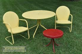 painting life back into a great set of vintage metal patio furniture