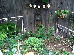 outdoor fence decor ideas small backyard vegetable garden house