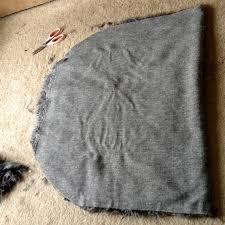 How To Make A Faux Fur Rug La Vie Diy Diy Faux Sheepskin Rug Or Pelt