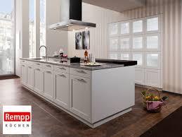 weiße küche mit holz hochwertige küche in weiß mit holz infos angebote