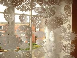 Christmas Window Decorating Ideas 2010 by Christmas Window Decorating Ideas Christmas Lights Decoration