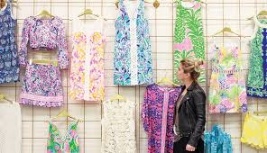 lilly pulitzer warehouse sale inside lillyland this is why women are obsessed with lilly
